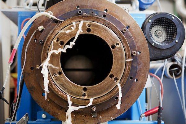 有助于加工回收材料的圆筒形挤出机002-PRA Chinese