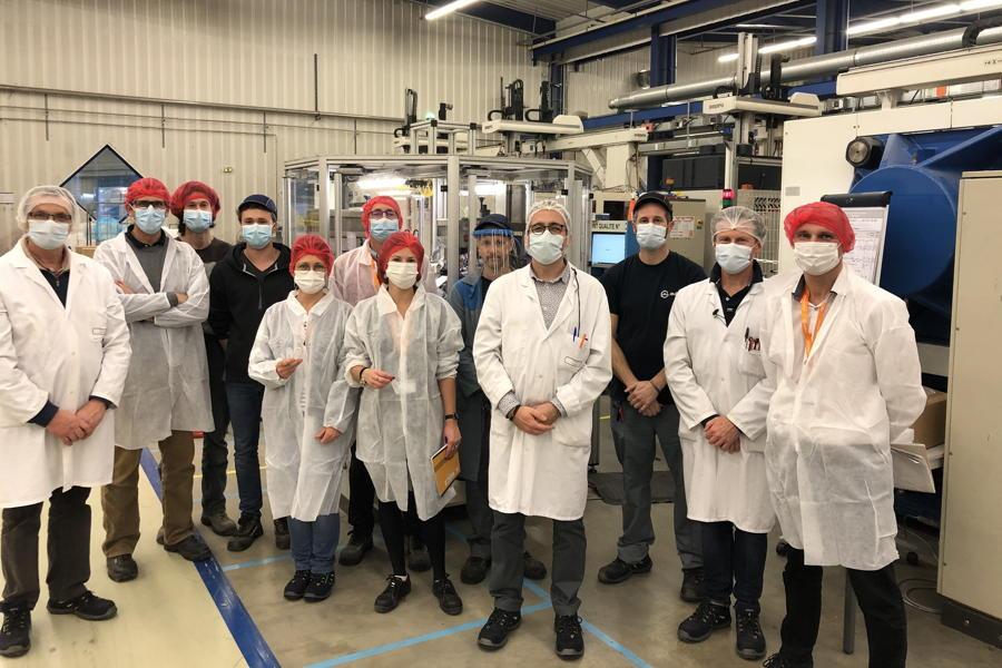 阿蓓亚Plouhinec工厂部分员工代表合影
