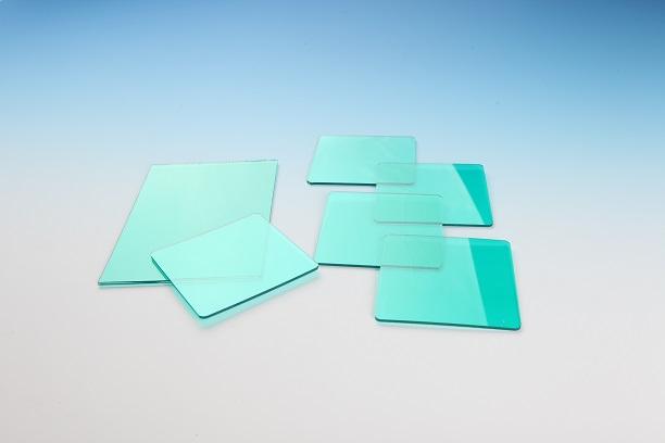民扬塑胶科技的PET纳米强化板可以替代亚克力、PC、PS等板材。强度高,韧性好